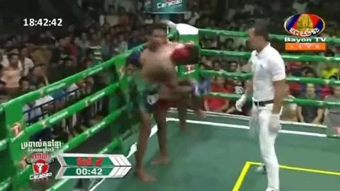 Ho Sophea vs Heng Sopheak, Bayon Kun Khmer 09_09_2018 - YouTube