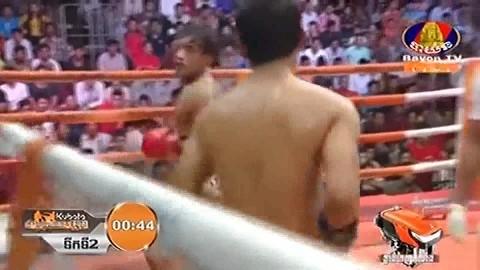 Kong Vireak vs Hang Ramorn, Bayon Kun Khmer 31_08_2018 - YouTube