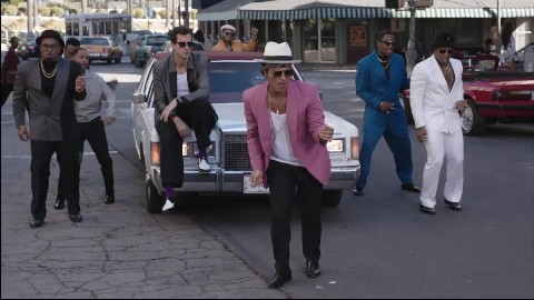 Mark Ronson ft. Bruno Mars- Uptown Funk