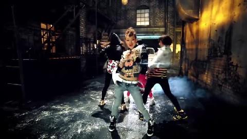 2NE1 - FIRE [MV]