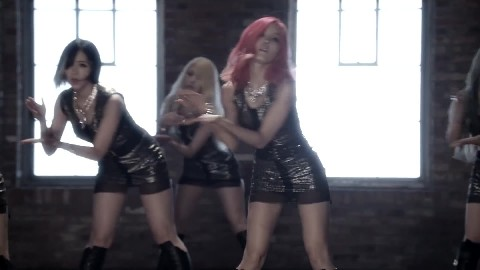 T_ARA DAY BY DAY MV