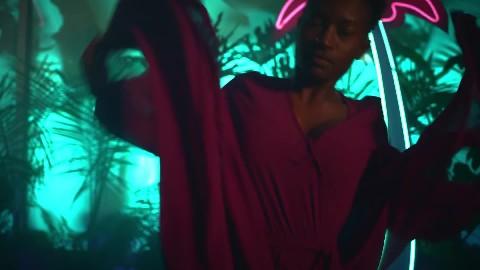 Sean Paul  - Mad Love ft. Becky G