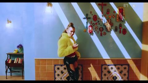 SUPER JUNIOR -'Lo Siento (Feat. Leslie Grace)' MV
