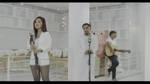នឹកនា - បាន មុន្នីល័ក្ខ - Ban Monyleak - Neuk Nea 【Official Lyric Video】