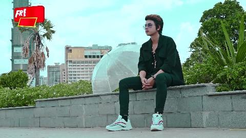 ម៉ាត់ណាក៏ថាគេល្អ -Matt Na Kor Tha Ke Laor- កែវ វាសនា ( Official Lyrics Video)