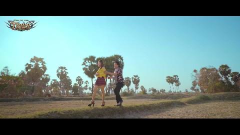 អូនមួយច្រមិចមិច - ពែកមី - Pekmi【 Official Music Video】