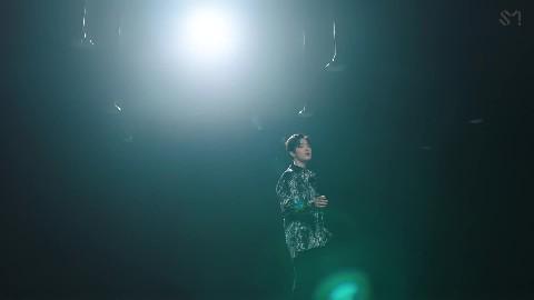 SUHO 수호 '사랑, 하자 (Let's Love) MV