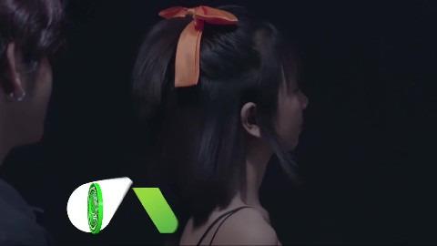 បបួលខ្លួនឯងអោយញញឹម - ពូ [ OFFICIAL VIDEO ]