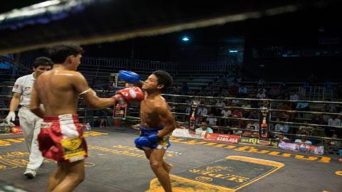 Kun Khmer, Phong Sopheap Vs Thai, PETCHNAMEK, 15 Oct 2017 - Fights Zone